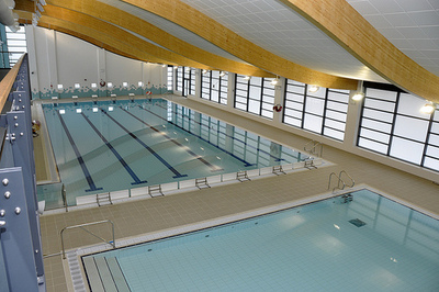 Leisure pools de humidifiers ventilation units for Pool ventilation design
